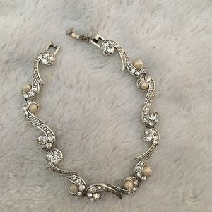 Jewelry - Silver and pearl jewelry set